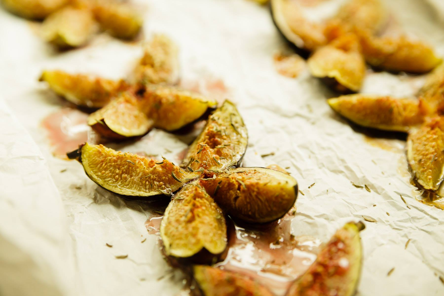 Roasted Figs with Honey and Thyme